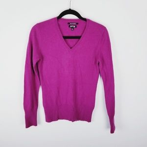 Apt9 cashmere pink v-neck sweater small